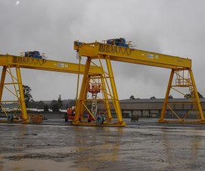 Concrete-crane